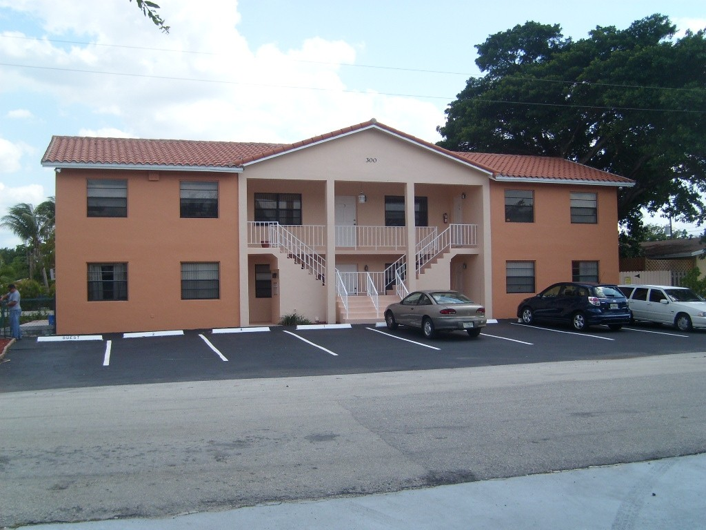 300 S.W. 14th Street, Fort Lauderdale, FL 33315